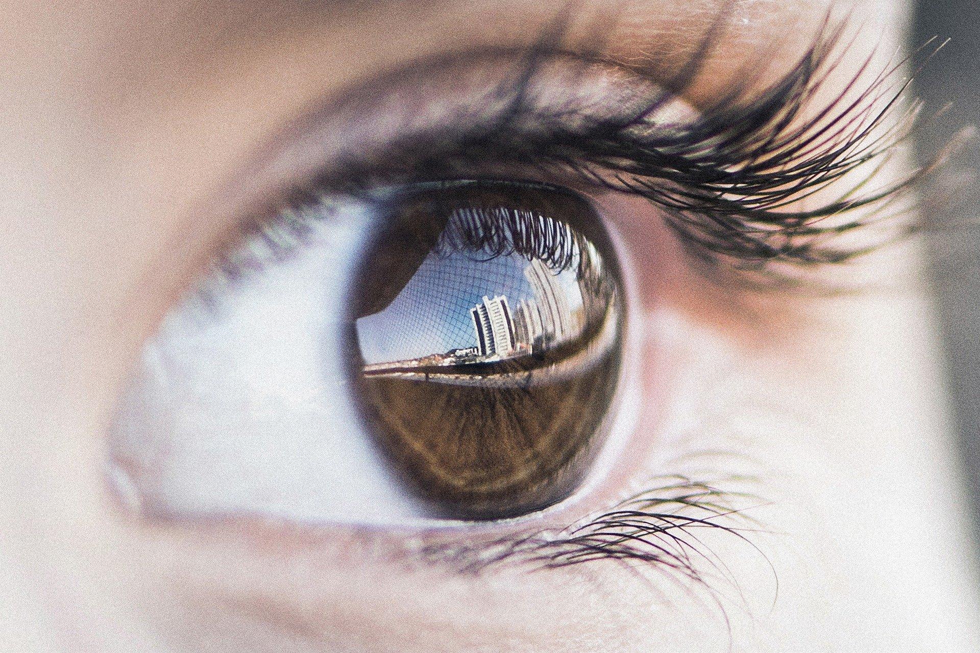eye-4559763_1920